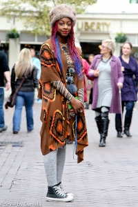 http://stylebydaniela.com/2012/01/10/street-fashion-street-style-london/